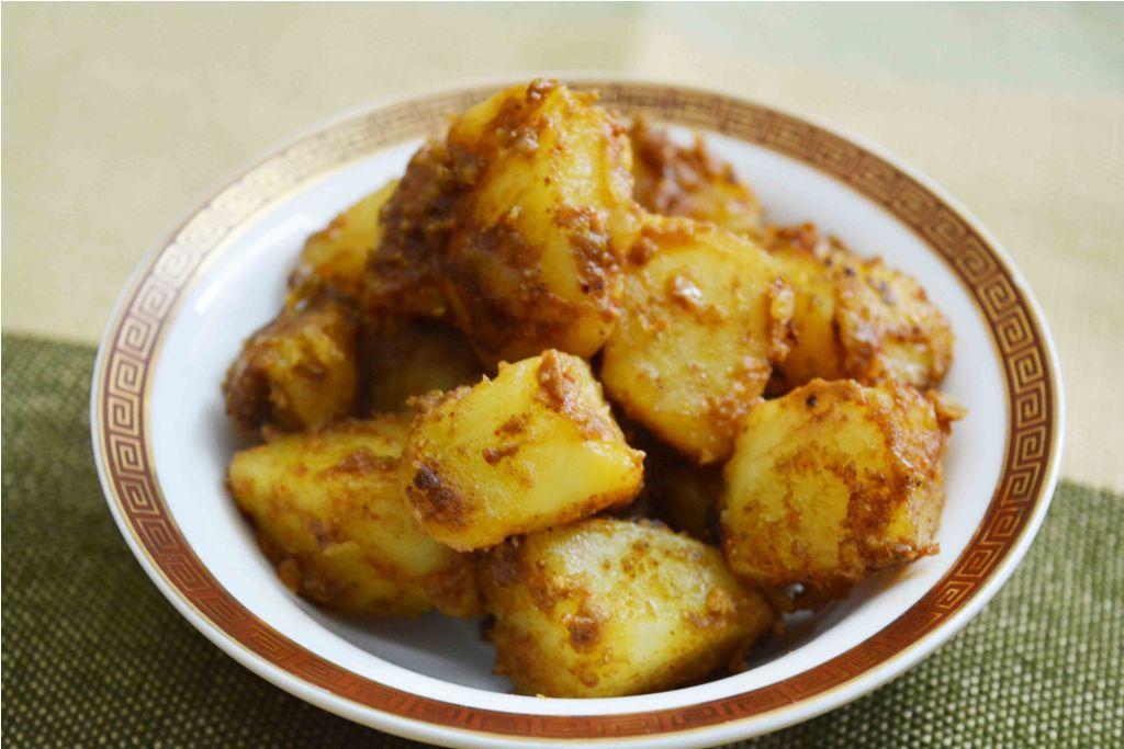 Halwai Wale Khatte Aloo Spicy Tangy Aloo Ki Sabzi Indian Food