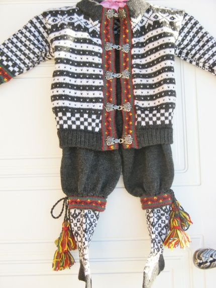 a59eade9 Festdrakt i Fana mønster til gutt str. 1-1 1/2 år. | Doll ideas ...