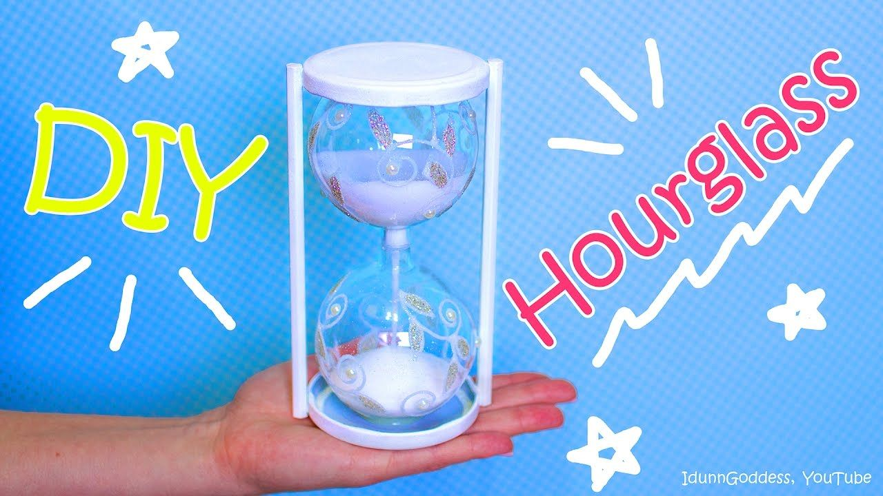 How To Make An Hourglass Out Of Christmas Ornaments – DIY Hourglass
