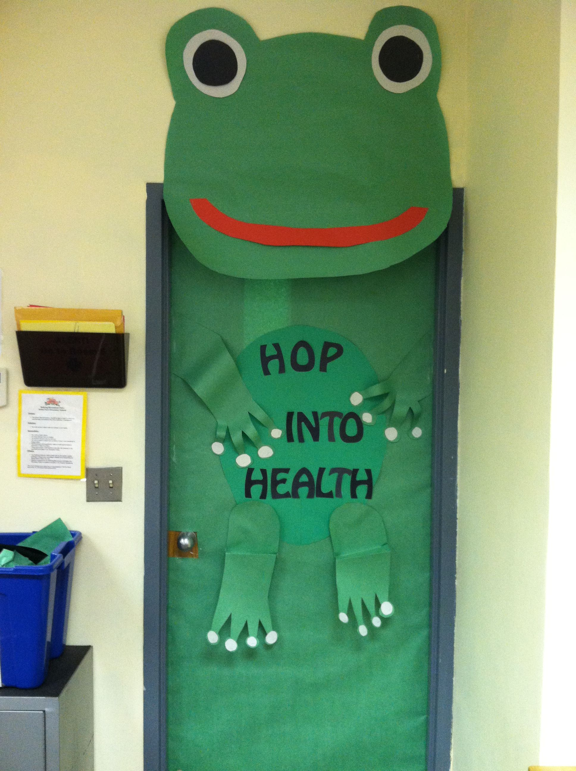 Go green vegetable bulletin board idea myclassroomideas com - Health Room Spring Door Decoration