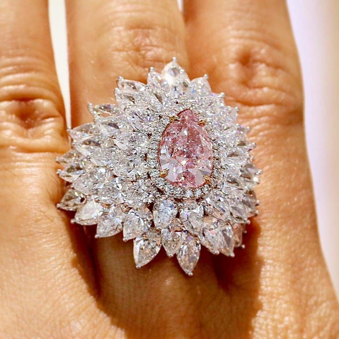 dupuisauctions Pear-shaped beauty. Pink diamond of 3.01 carats is ...