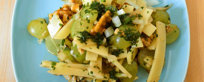 Käsesalat Mit Trauben Und Nüssen Vegetarische Gerichte Zum