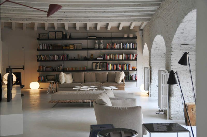 White On Gorgeous Italian Apartment 02