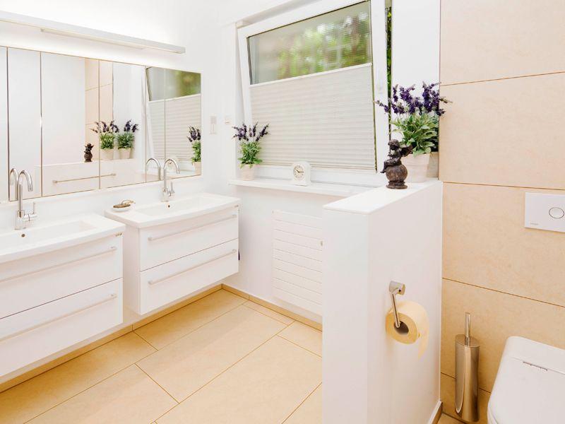 Fackelmann Badezimmer ~ Helles badezimmer mit mosa fliesen bathroom ideas