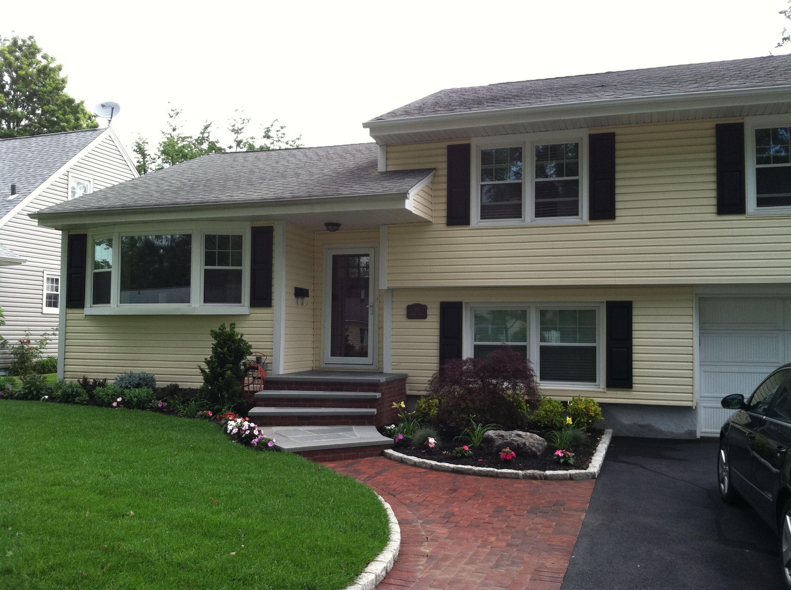 Img 0067 Jpg 2 592 1 936 Pixels House Exterior Tri Level House