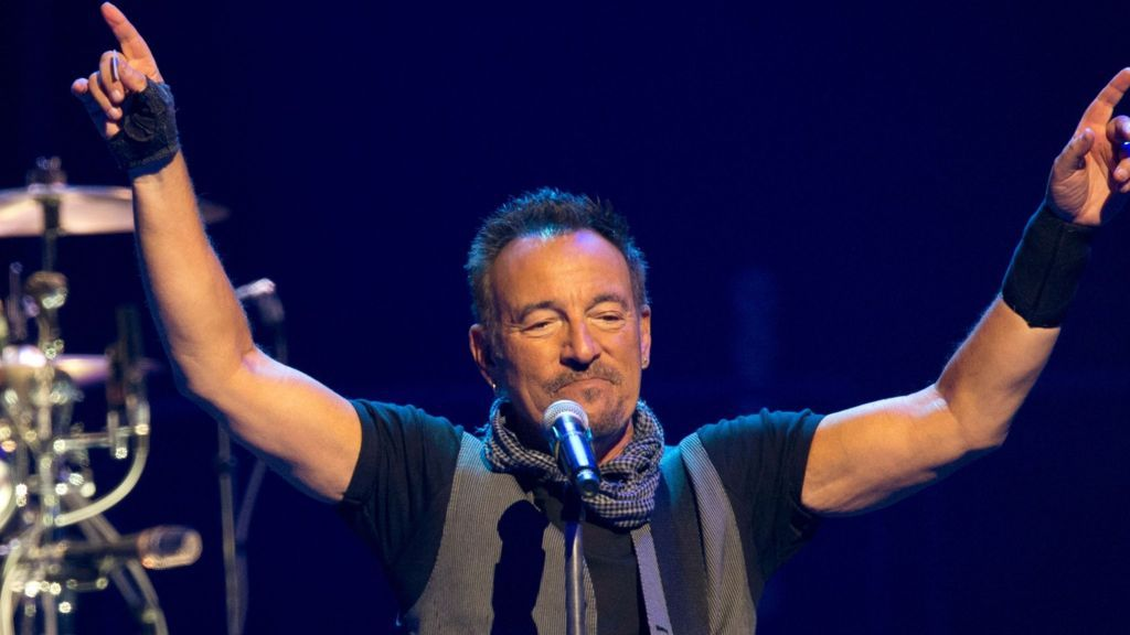 Bruce Springsteen signs young studentu0027s absence note - BBC - absence note