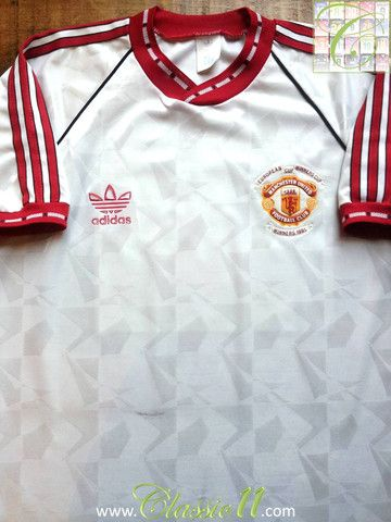 Relive Manchester United s 1991 1992 European season with this vintage  Adidas away football shirt. 00e4574f4