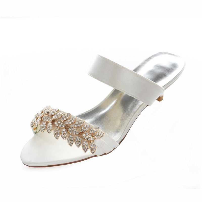 853237665f5 Pin by Veaul on Womens Shoes