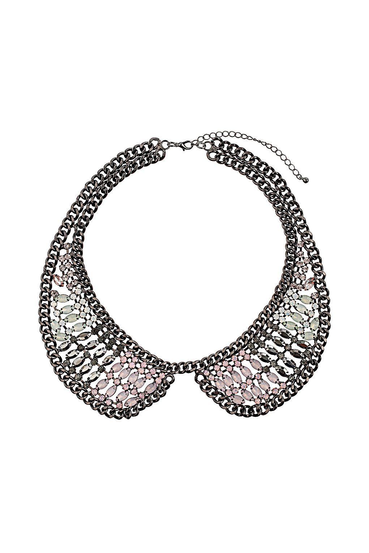 Peter Pan collar necklace.