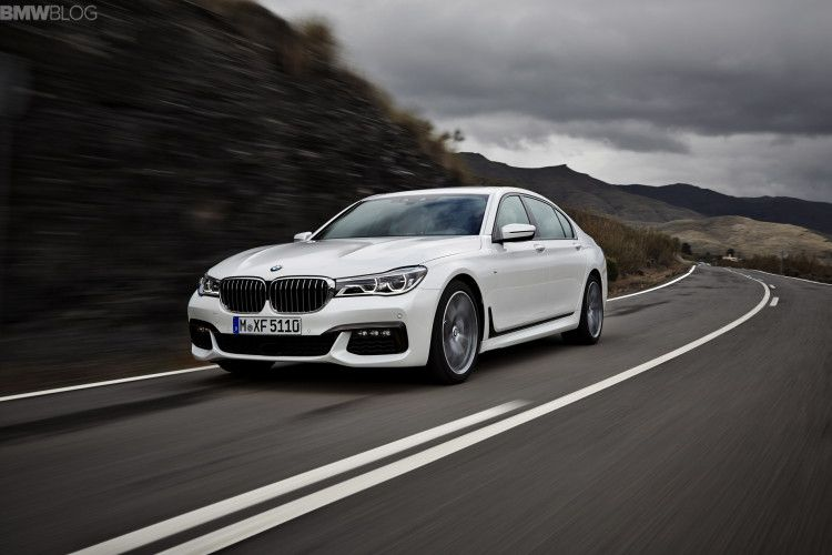 2016 bmw 7 series M Sport Package images 1900x1200 02 750x500