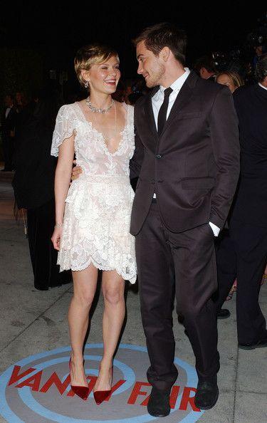 Kirsten Dunst And Jake Gyllenhaal Eating Kirsten Dunst in...
