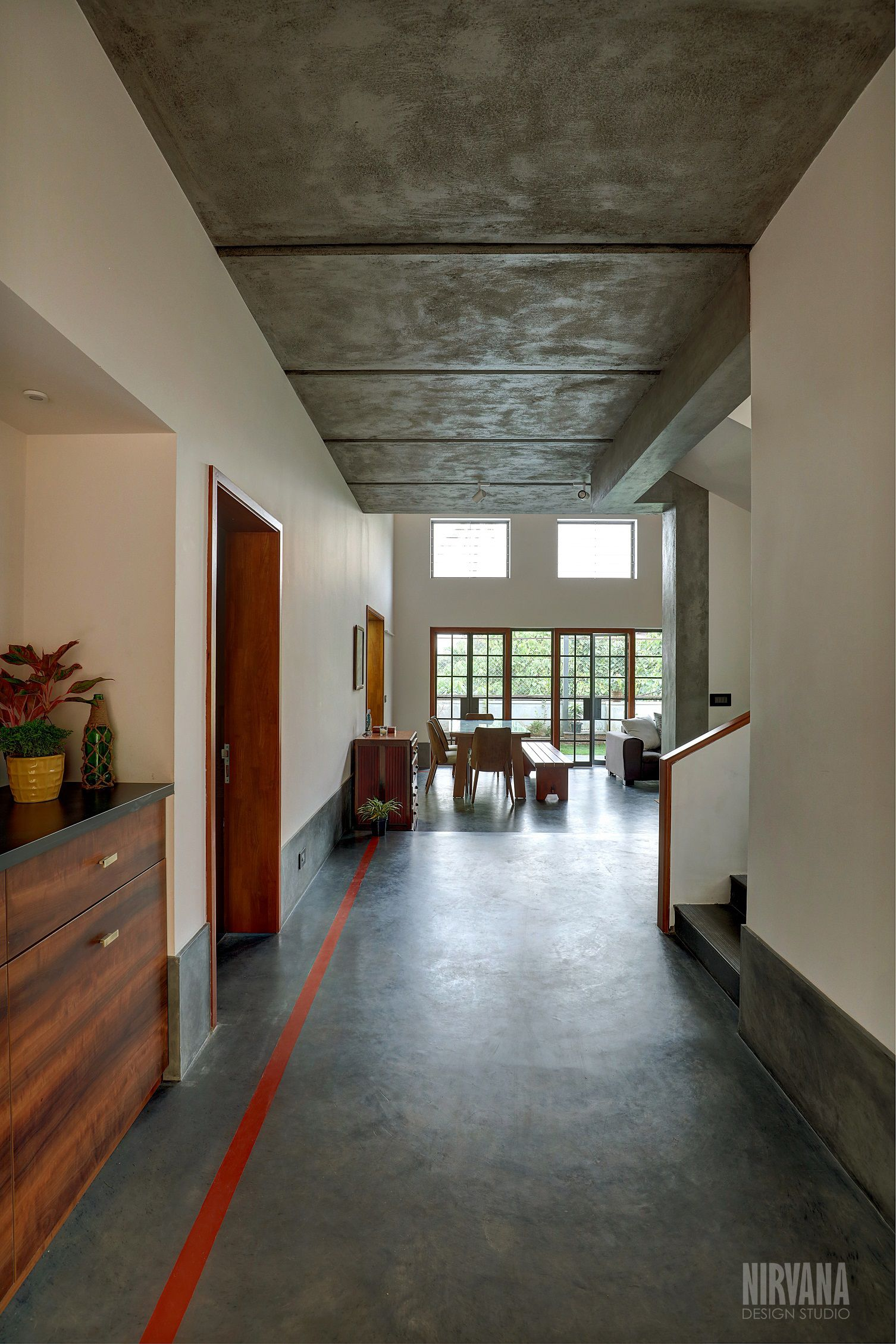 Oxide floor, Cement ceiling, concrete, zen interior