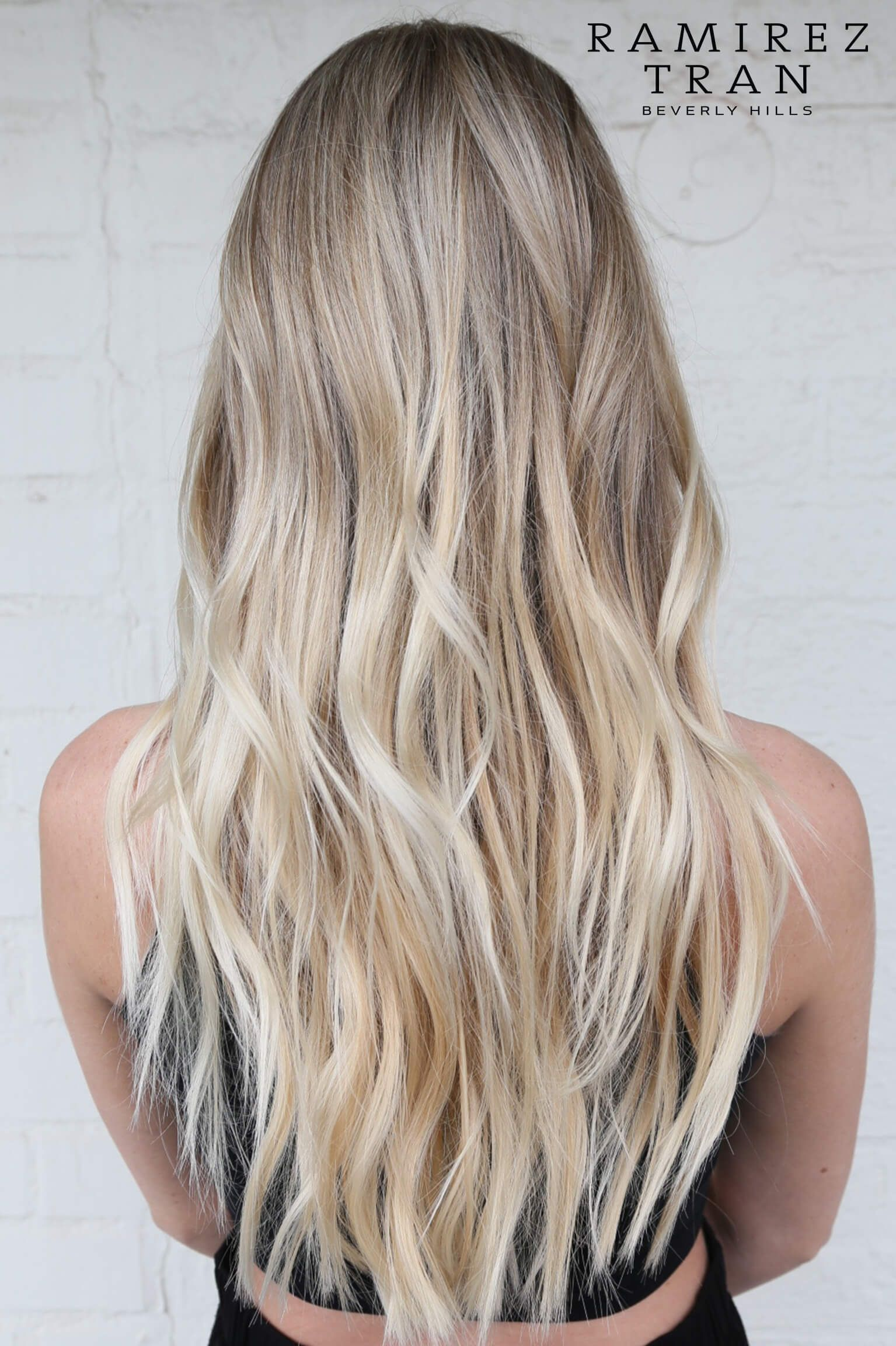 bombshell blonde balayage hairstyles that are cute and easy