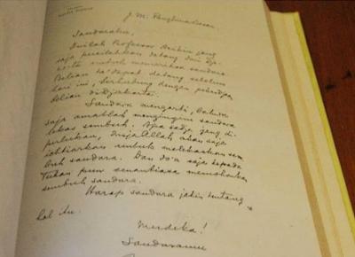 Berita Unik Dan Aneh Baca Surat Ir Soekarno Untuk Jendral Sudirman Yang Sangat Menampar Buat Pemerintah Sekarang Ini Ini Isi Surat Surat Biasa Buku Surat