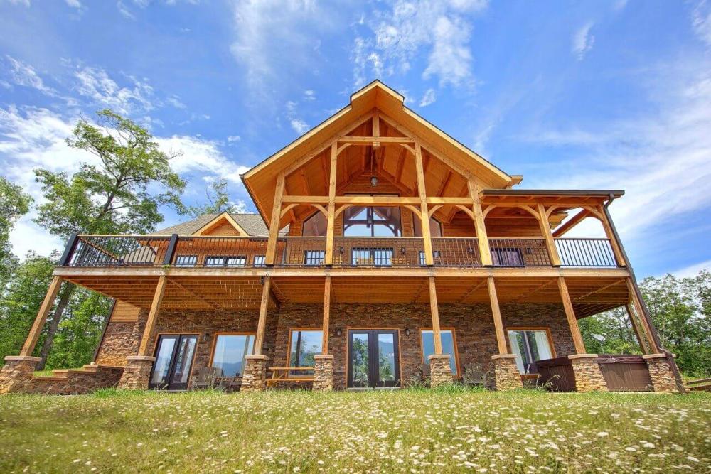 Gatlinburg Cabin Rentals In The Smoky Mountains Gatlinburg Cabin Rentals Gatlinburg Cabins Smoky Mountain Cabin Rentals