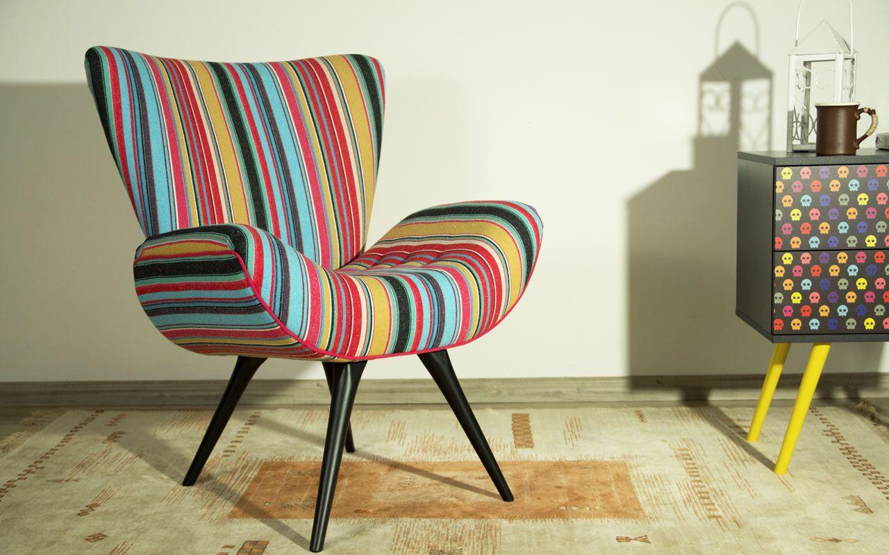 Pin Do A Vandira Guatimosim Em Cadeiras Antigas Modernas E  -> Poltronas Na Sala De Estar Pequena