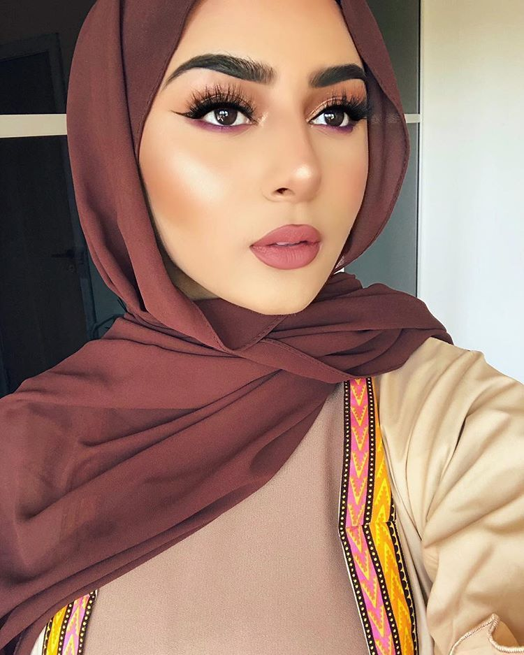 4 قواعد لتنسيق مكياجك مع ملابسك Makeup Looks Hijab Makeup Pretty Face
