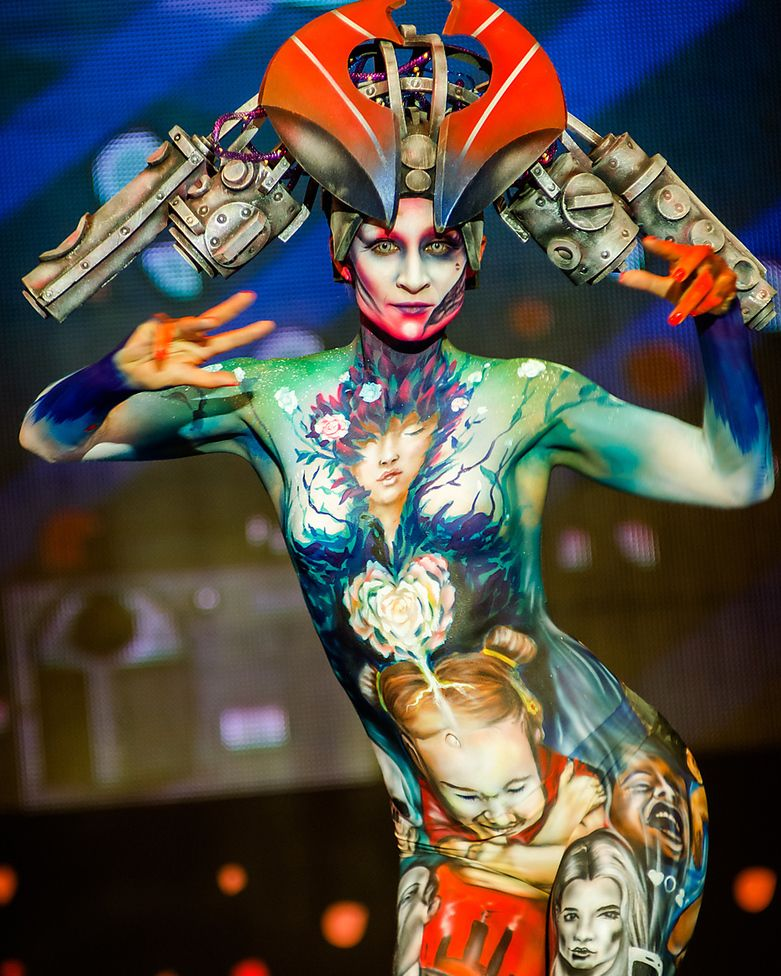 The World S Best Body Painting Artists Show Off Their Amazing Artistry Body Painting Artists Body Painting Festival Body Painting