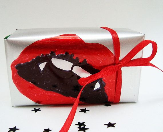 Bite Me Vampire Lips Gift Box Recycled Soda Can Eco Friendly Halloween