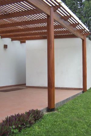 Resultado de imagen para deck de madera terraza jard n for Choza de jardin de madera techo plano