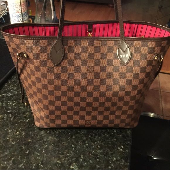 60c3ae7747d Authentic Louis Vuitton Damier Bag Bag is beautiful and in excellent  condition. Selling for friend