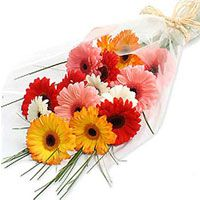 Beautiful Bouquet Of Gerbera In Different Colors Get Flowers Delivery Mumbai India Order Online To Get Flower Bouquet Delivery Flower Delivery Flowers Online