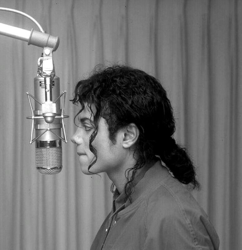 Michael Jackson with a Neumann U47, Circa 1987 | Legendary artists