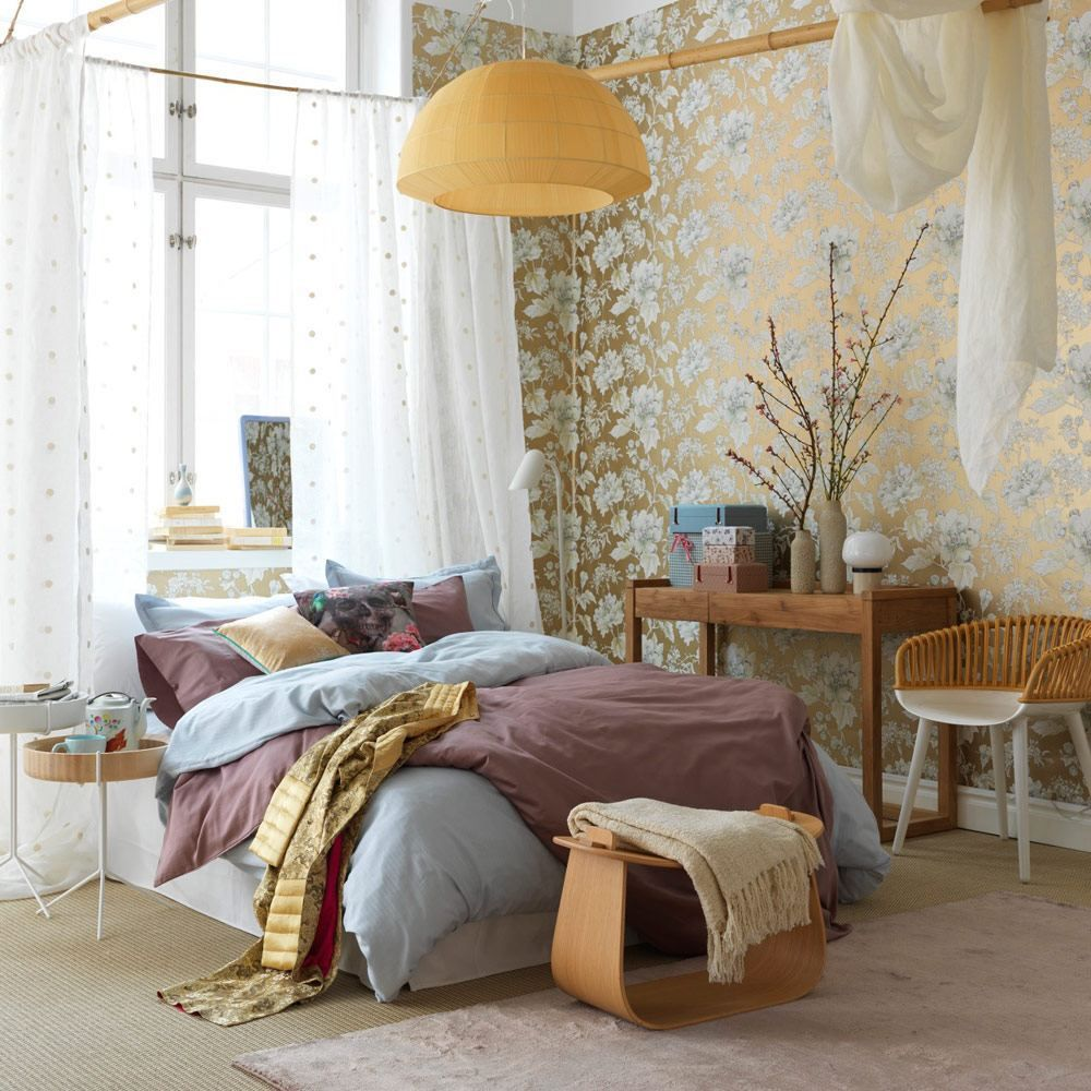 Feminine bedroom romantic decorating ideas modern shade table lamp