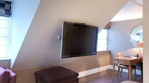 Afbeeldingsresultaat Voor Tv Aan Schuine Wand Pitched Ceiling Living Room Spaces Slanted Ceiling Living Room
