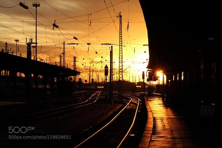 Winter Sunet http://ift.tt/1PV5o1D Winterbahnhofblackcablescloudscoldpeacefulrailwaysilenceskystationsunsettrainwarmthzug