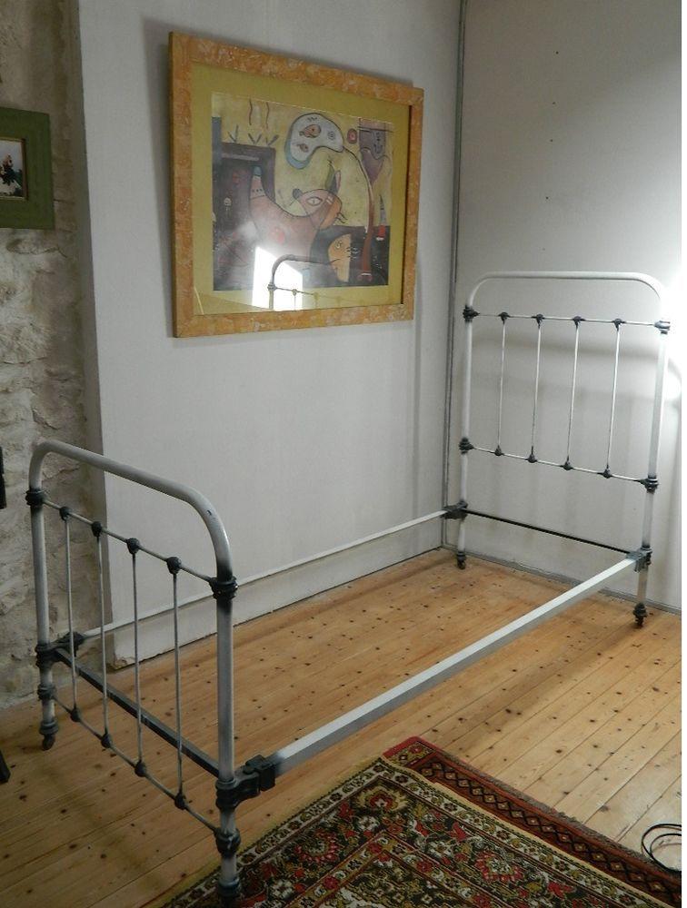 beau lit ancien en fer forg idees deco lit fer forg lit et fer forg. Black Bedroom Furniture Sets. Home Design Ideas