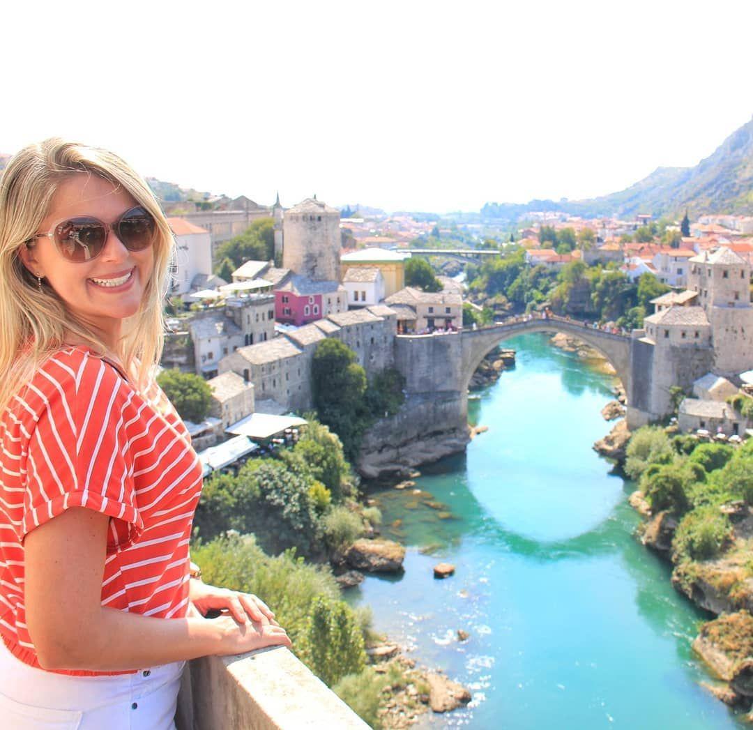 No Embalo Dos Balcas Que Tal Conhecer Mostar A Bela Cidade Da Bosnia Herzegovina Encanta Por Suas Ruelas Medievais E Sua Famosa Ponte A Canal Structures