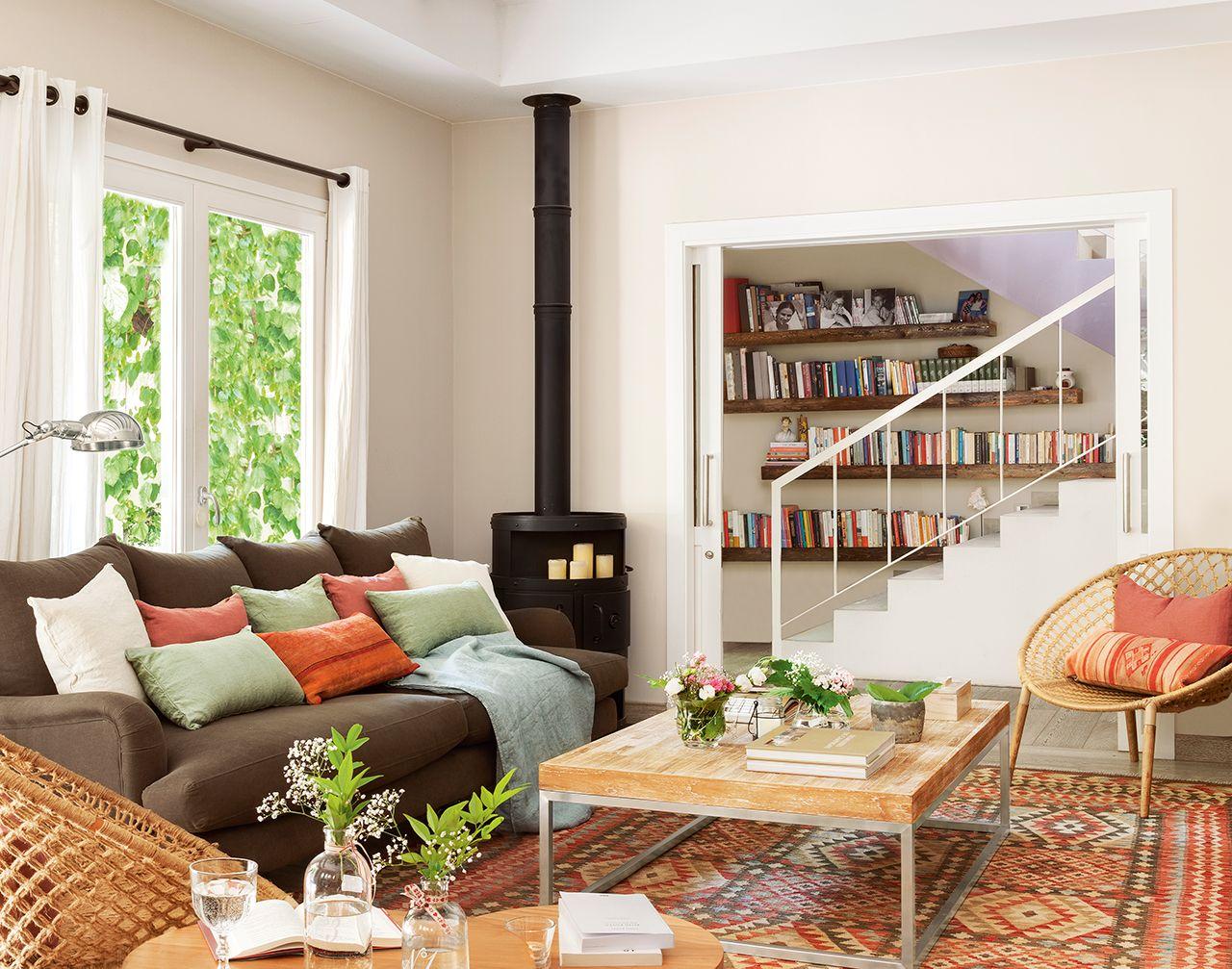 Sal n con chimenea de hierro pinterest segundas - Chimeneas para pisos ...