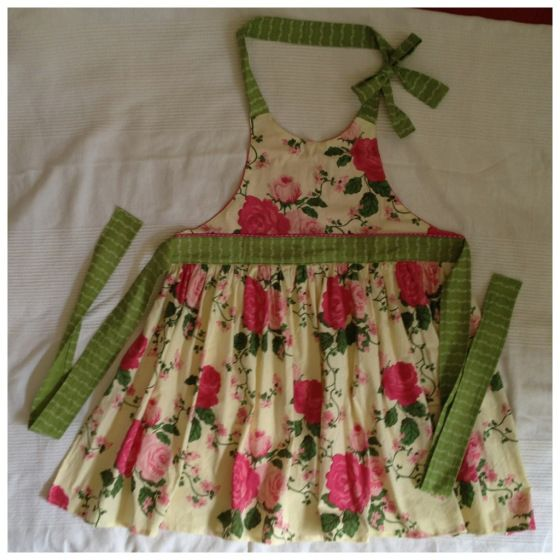 """Thankful Apron"" in a spring version, link to the blog ""Fleece Fun"" for the original pattern done in Thanksgiving fabric"