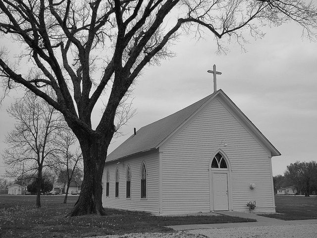 White Chapel Sacred Buildings Old Country Churches Beautiful Buildings
