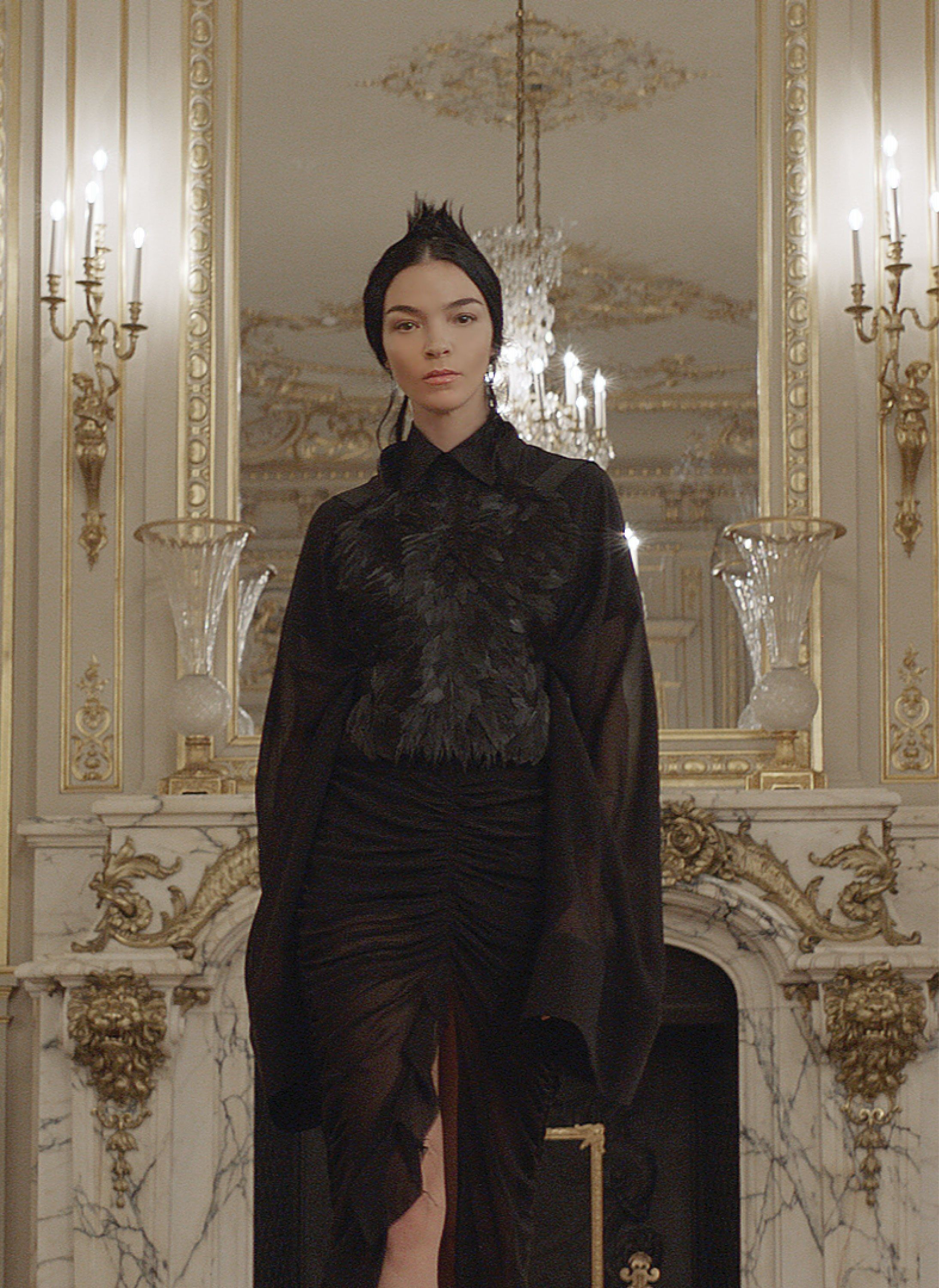 See the complete Vera Wang Fall 2017 Ready-to-Wear collection.