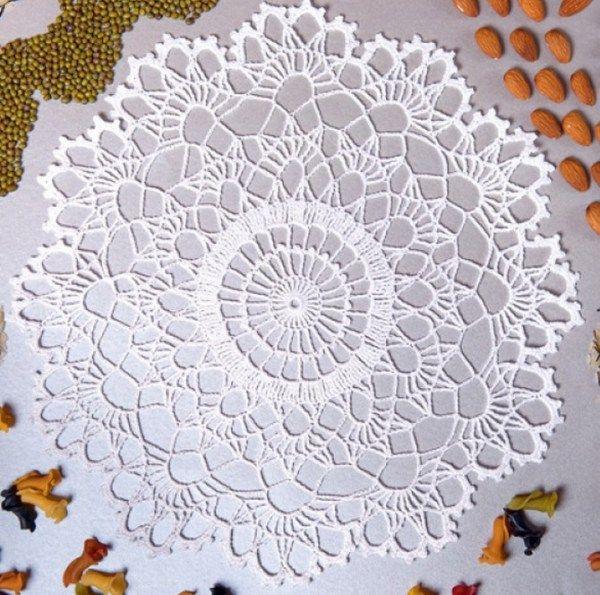 20 Free Crochet Round Doily Patterns | crafts | Pinterest | Carpeta ...