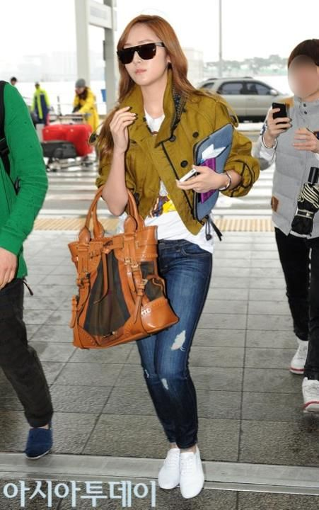 Jessica @ Incheon Int'l Airport (April 25, 2012)