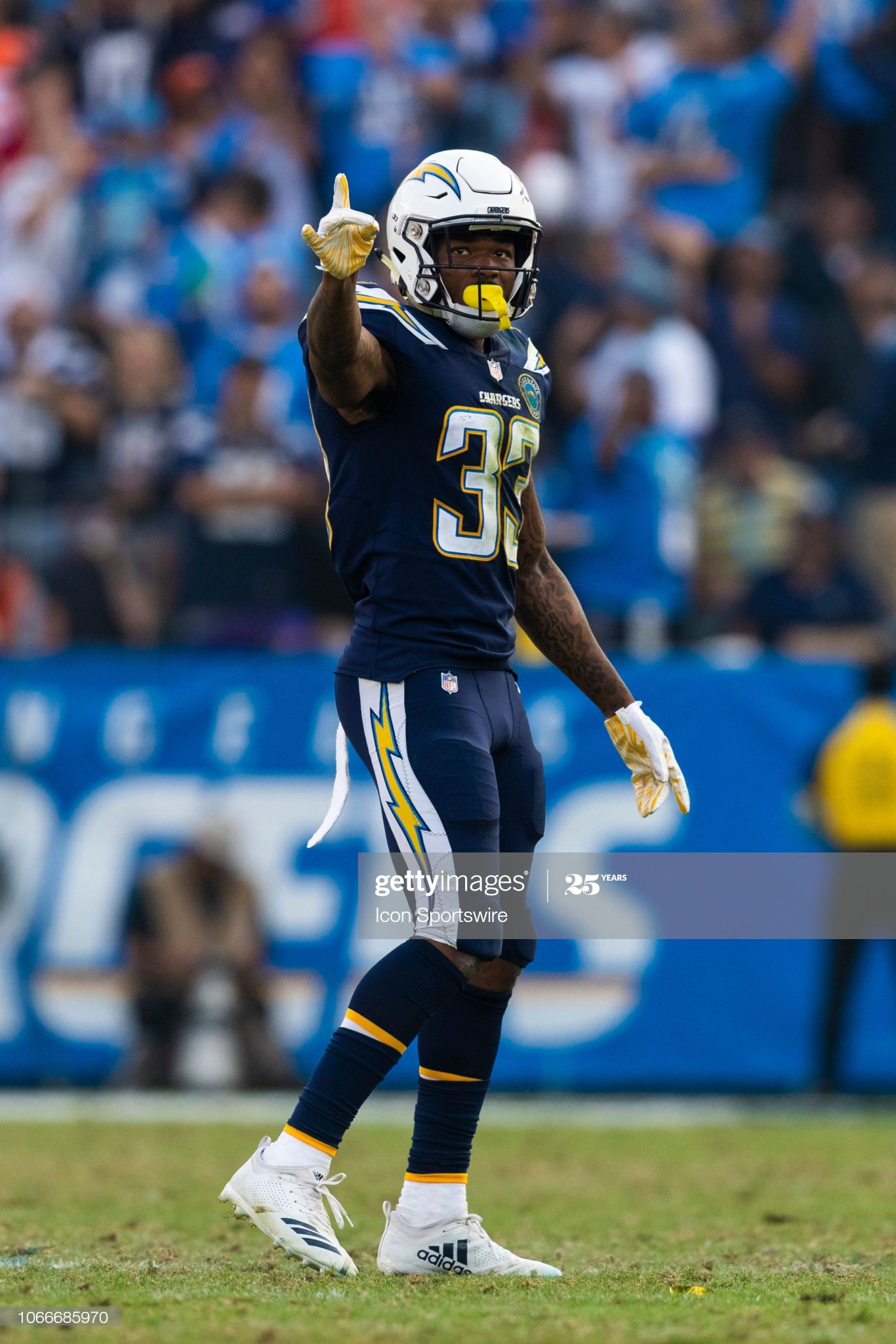 Los Angeles Chargers Free Safety Derwin James During The Nfl Regular In 2020 Los Angeles Chargers Sports Tshirt Designs Chargers Football