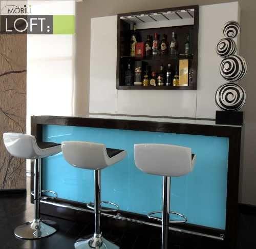 Este moderno bar excelente para resaltar una casa o for Bar movil de madera