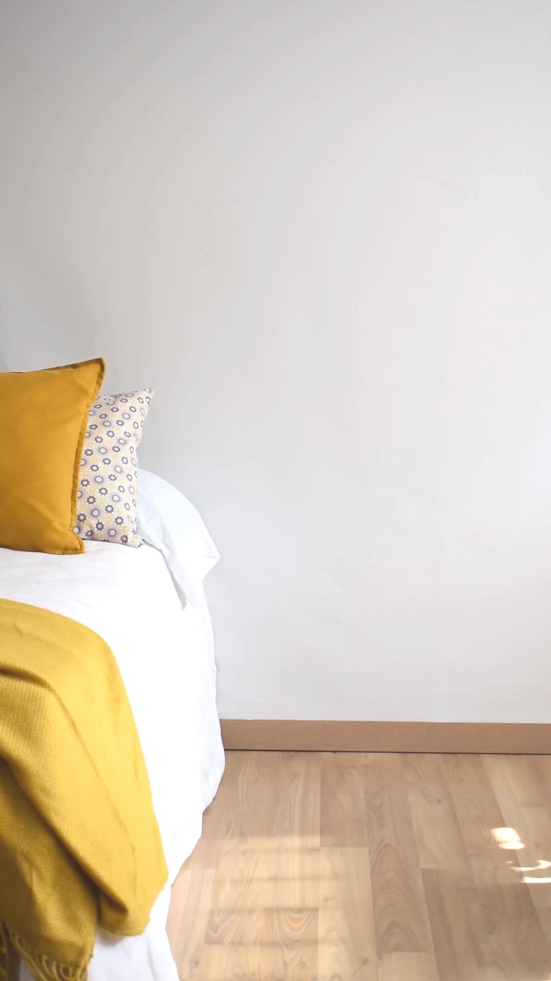 Mesita de noche para un dormitorio de estilo nórdi