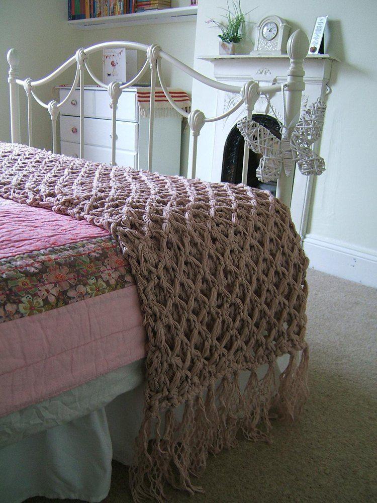 Giant Harlequin Bed Runner Knitting Pattern By Lorraine Hearn In 2020 Harlequin Bedding Bed Runner Easy Blanket Knitting Patterns