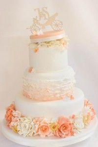 Wunderschone Klassische Hochzeitstorte In Apricot Wedding Cakes