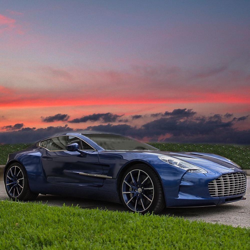 Aston Martin  - Supercars -