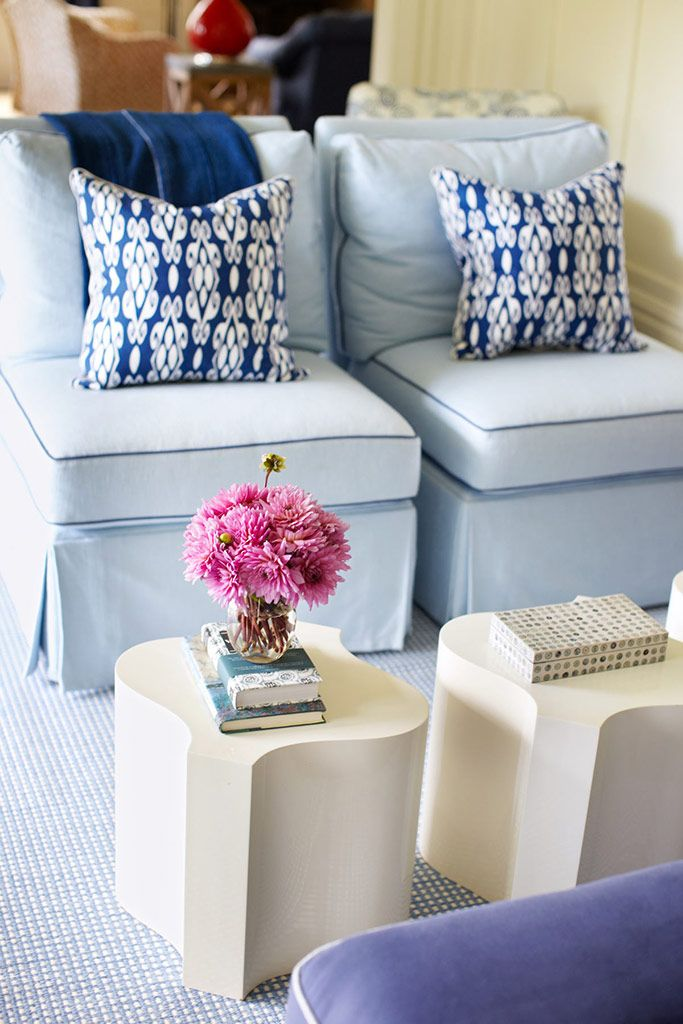 Best Blue White Love The Chairs And Pillow Combo For Sitting 400 x 300