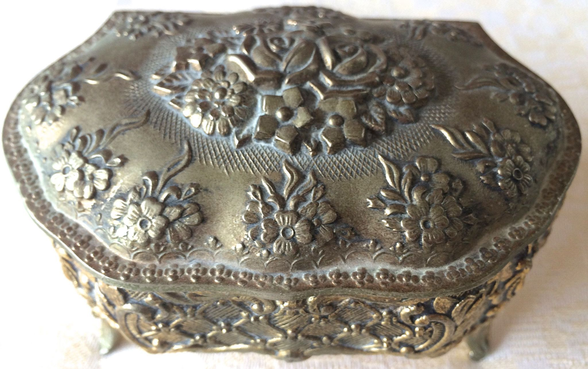 Vintage Silver-Plated Embossed Footed Jewelry /Trinket Box (8149), Made in Japan