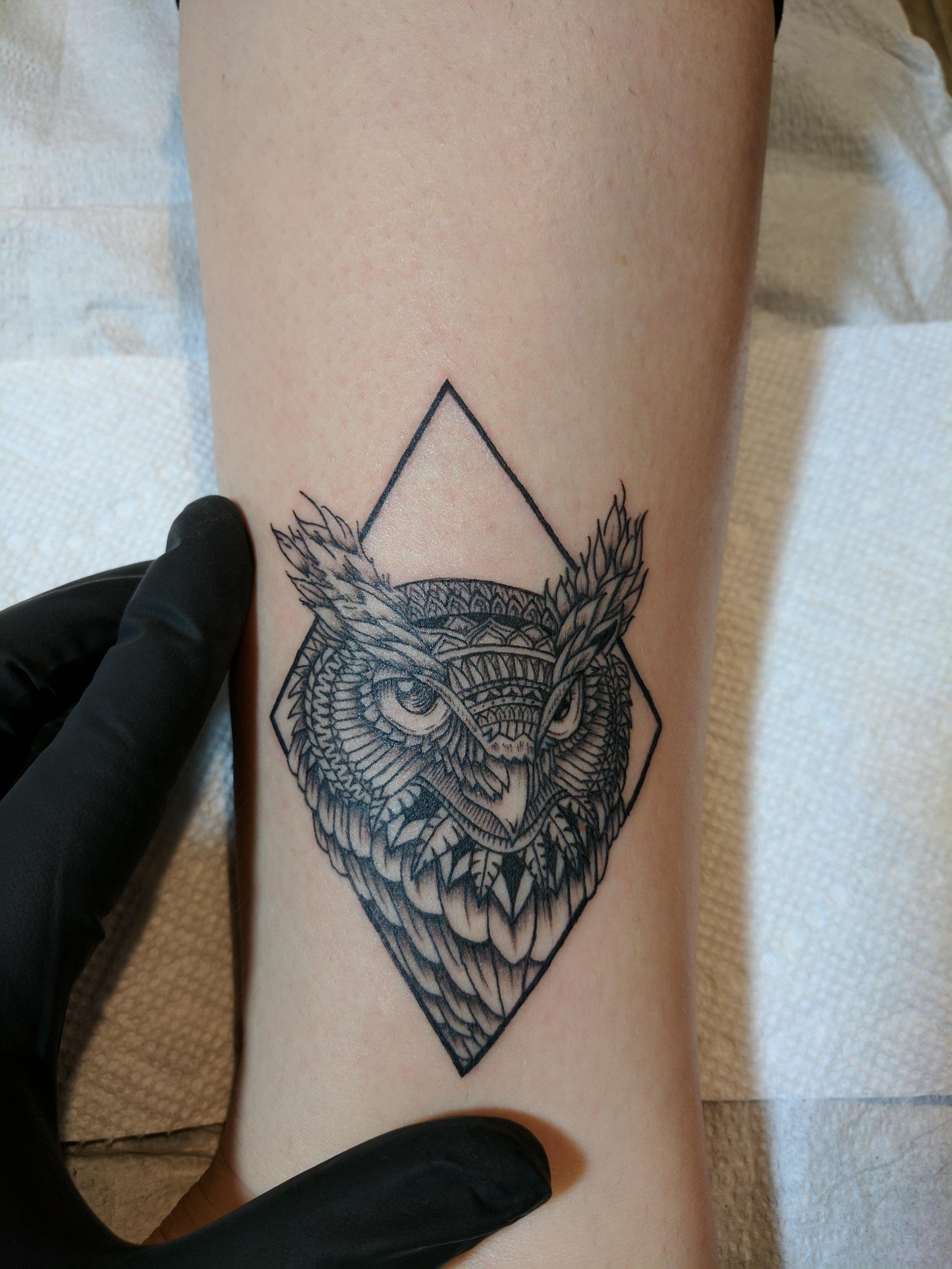 Pin De Eric Binmoeller En Tattoo Tatuaje Buho Tatuajes En La