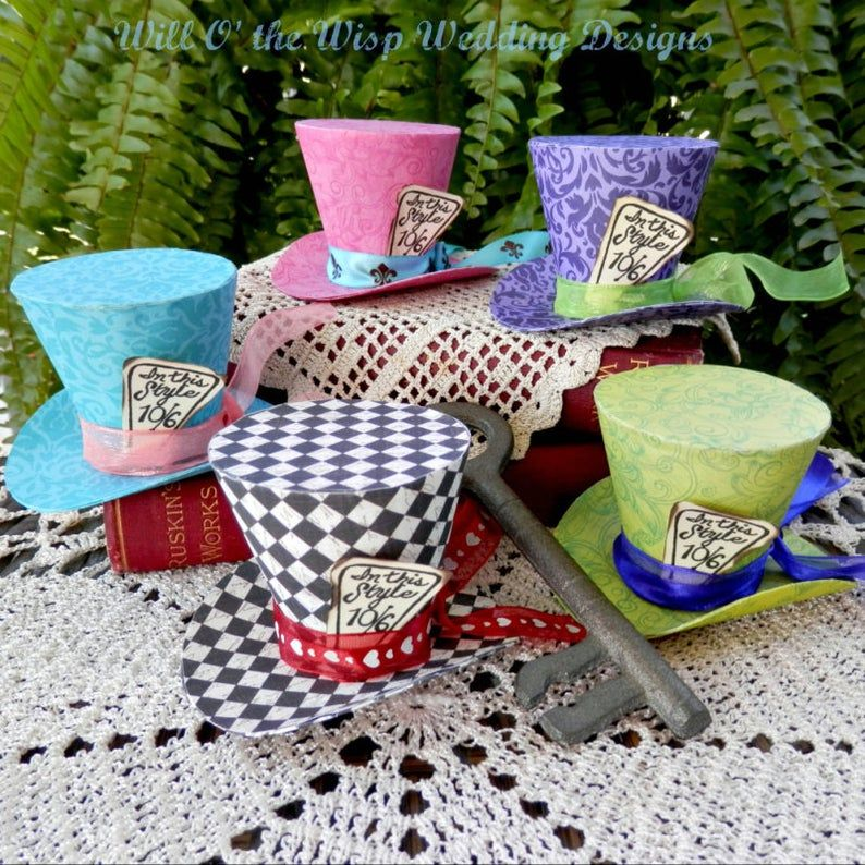 Mini Mad Hatter Hats Alice In Wonderland Party Favors Alice Etsy Alice Tea Party Alice In Wonderland Tea Party Mad Hatter Tea Party