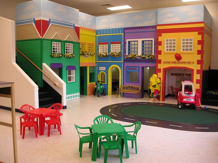 they had a little town like this at the preschool i went