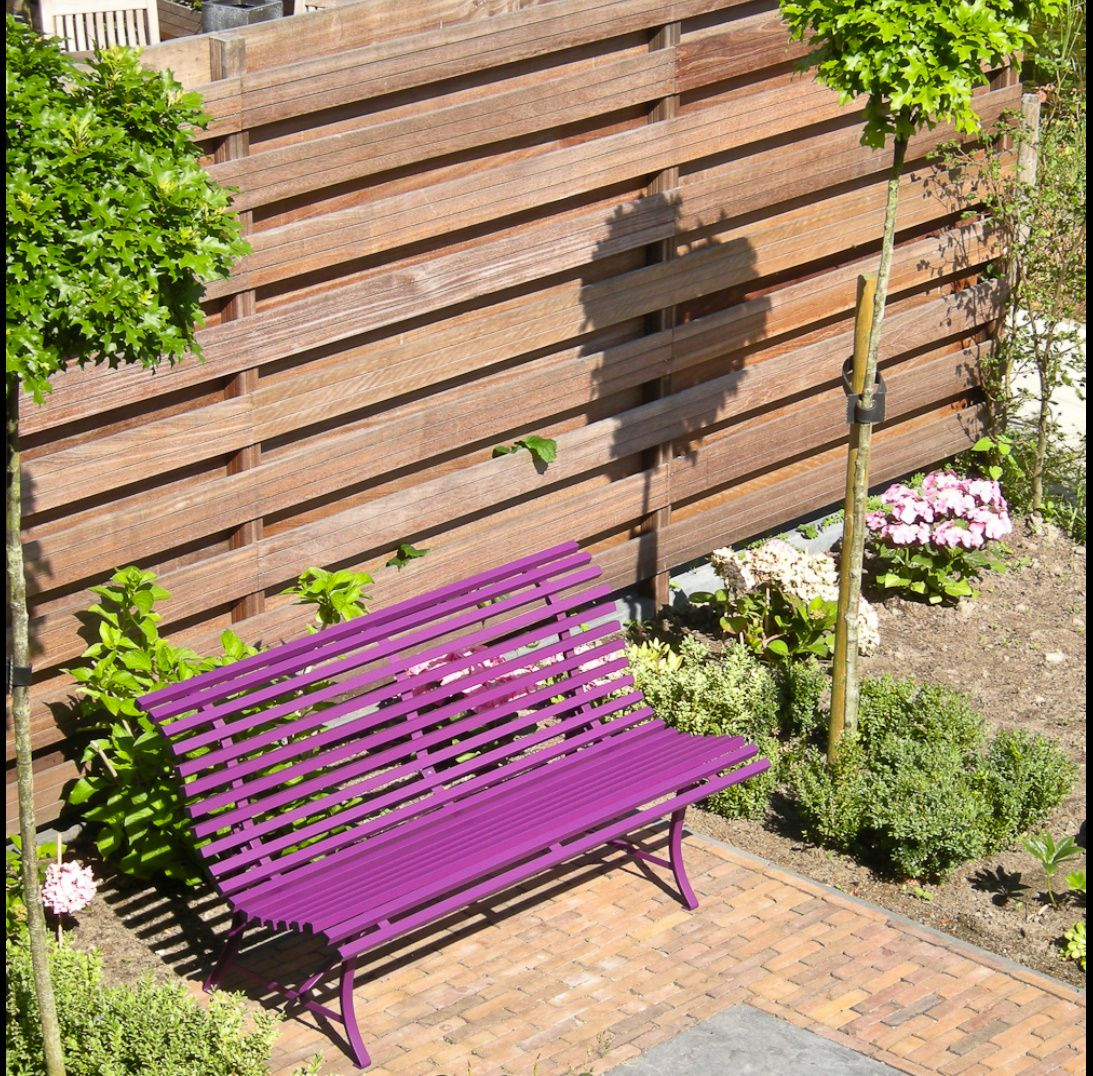 jardin avec banc louisiane violet aubergine fermob outdoor purple. Black Bedroom Furniture Sets. Home Design Ideas